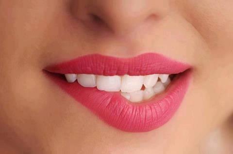 12 Obat Alami Bibir Hitam