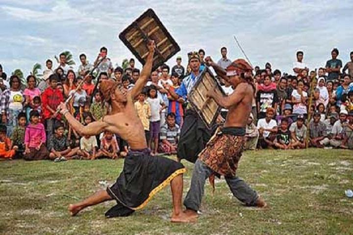 Tradisi-dan-Budaya-Lombok-Ini-Selalu-Tampil-Beda-dan-Mengagumkan