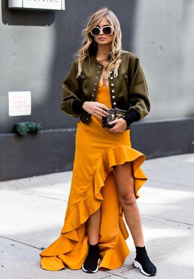 Street style vestido amarillo