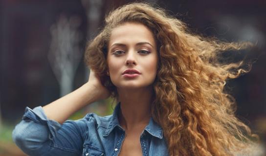 Cara Merawat Rambut Keriting dan Ikal Agar Tidak Mengembang