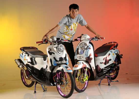 Best Modifikasi Motor Yamaha Mio Fino VS Honda Scoopy 2012