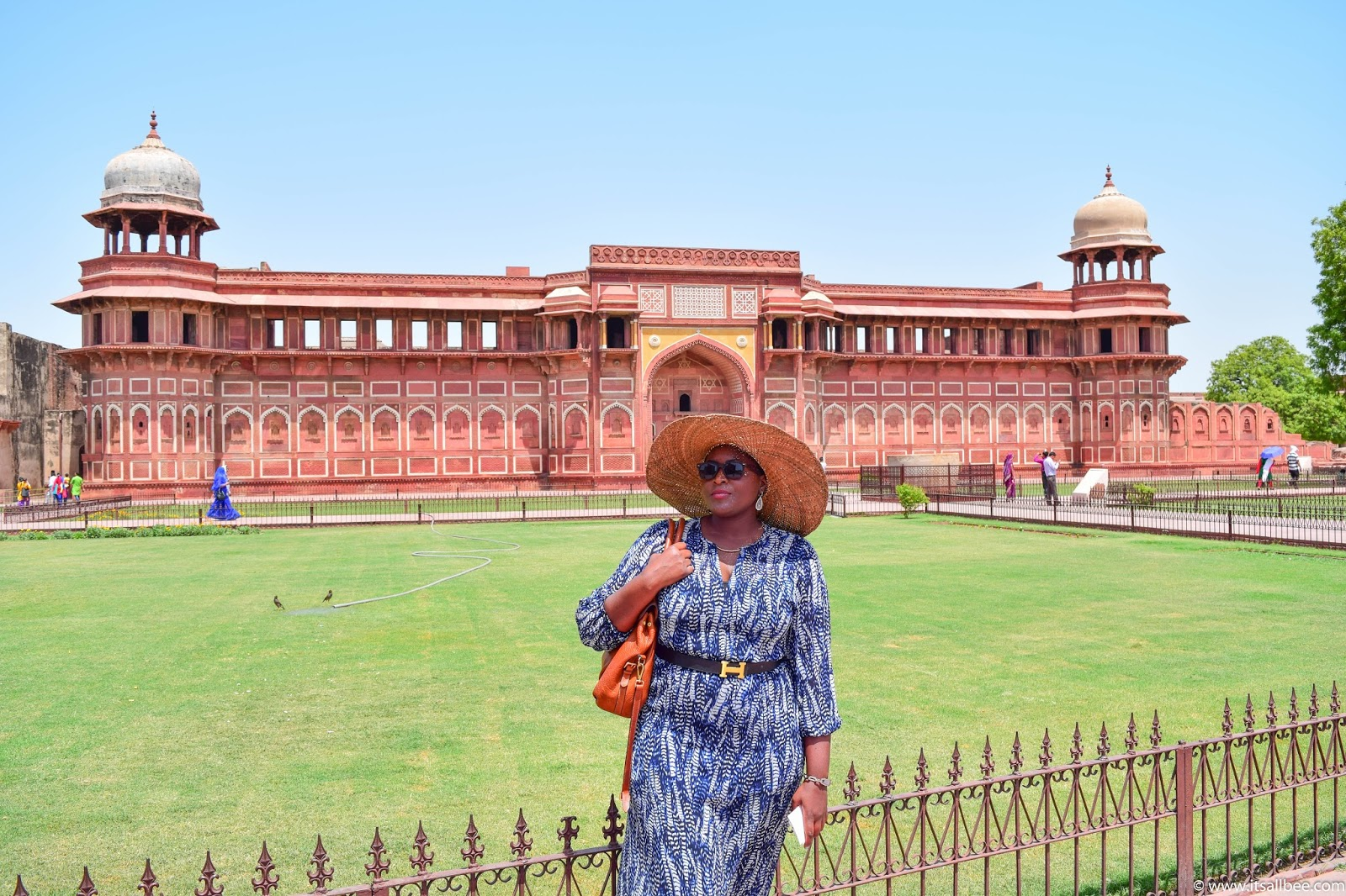 Visiting The Agra Fort - Photo by Bianca Malata - www.itsallbee.com