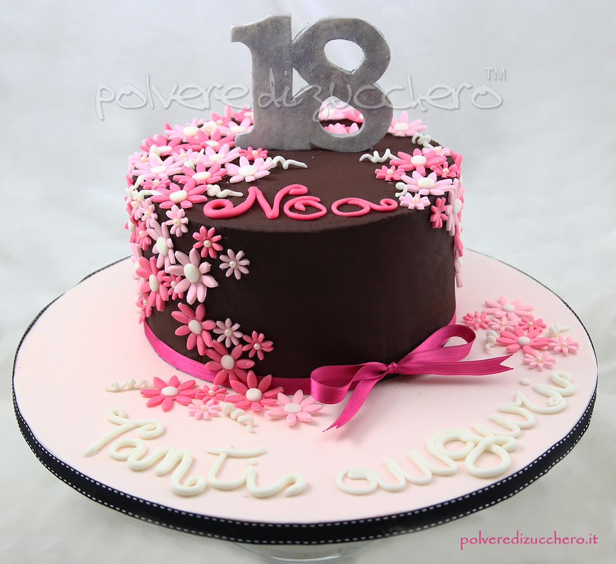 torta decorata cake design cioccolato pasta di zucchero fiori 18° compleanno party festa polvere di zucchero