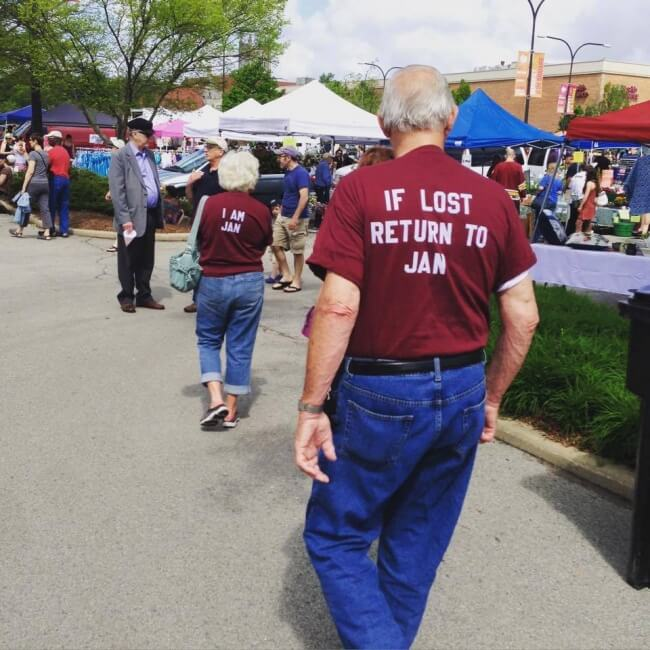 20 Exhilarating Images That Show Love Has No Age Limits - Wear matching t-shirts