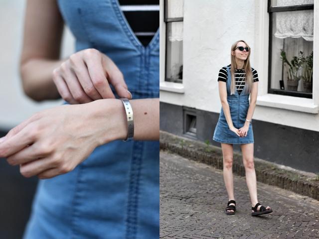 Outfit met h&m spijkerjurk zelfgemaakte slagletter armband primark shirt met strepen polette kathie zonnebril my jewellery kettingen en dr martens sandalen