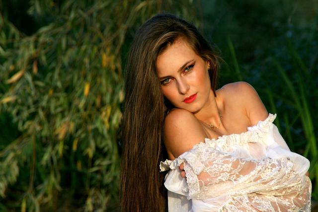 girl lipstick