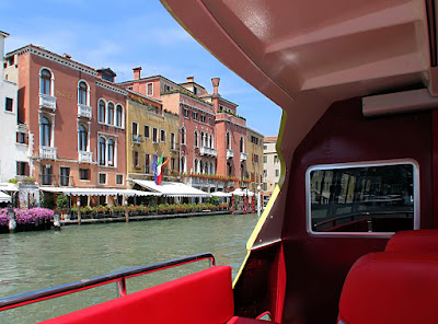 Vaporetto dell'Arte auf dem Canal Grande, Photo © by Gunther H.G. Geick