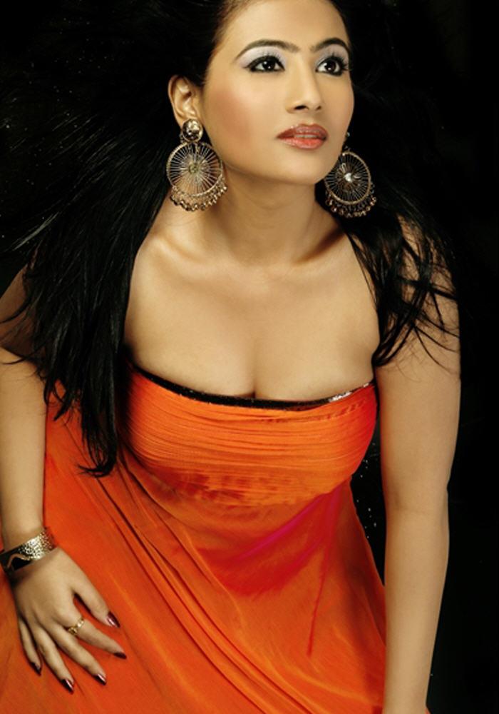 Kollywood Actress Aarthi Khaitan Images | Tamil Actress ...