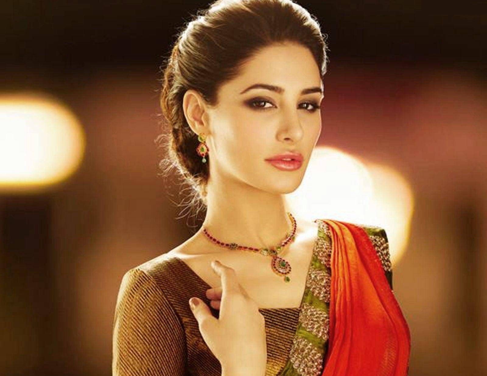 Celebrities Hd Wallpaper Download Nargis Fakhri Hd: Actress Nargis Fakhri 24 Hot Photos Download