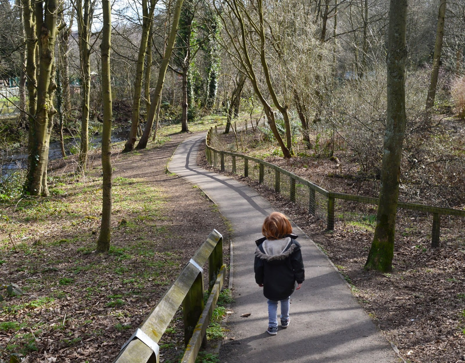 13 of the best pushchair-friendly walks around North East England as recommended by local parents - Jesmond Dene