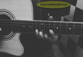 Pemain Gitar Blues Legendaris Terkenal di Dunia