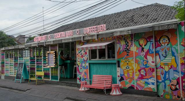 Cafe Sea Circus