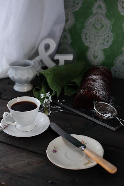 still life, kahvia&kakkua