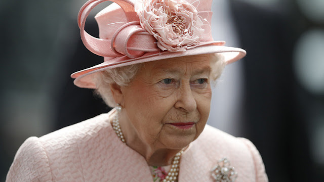 """Isabel II pide a sus invitados """"tres razones por las que Reino Unido debe permanecer en la UE"""""""