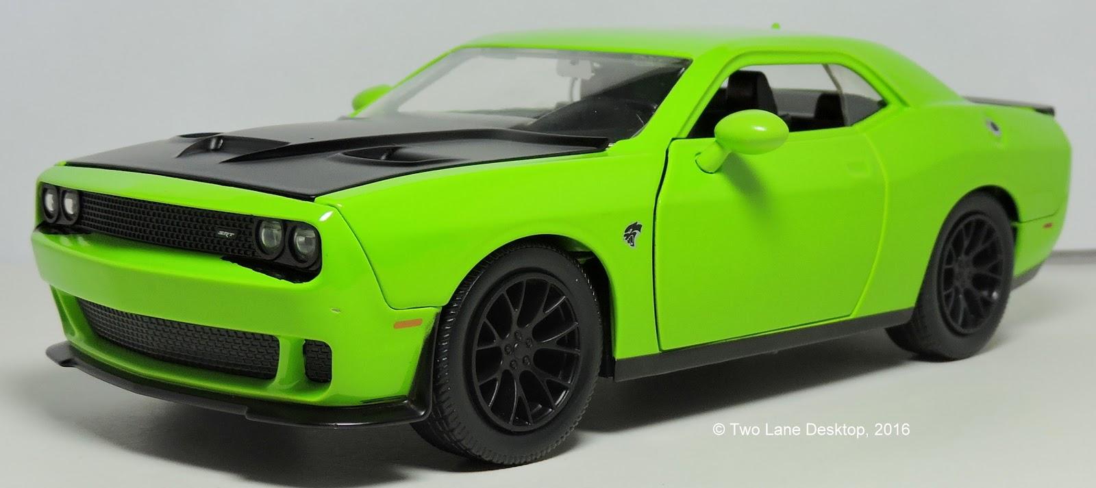 two lane desktop jada toys 1 24 2015 dodge challenger srt. Black Bedroom Furniture Sets. Home Design Ideas