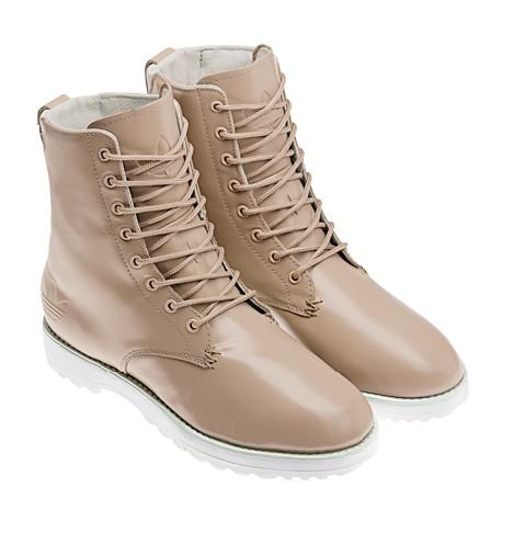 13af7ed747679 ... y anillos en el mismo color del calzado