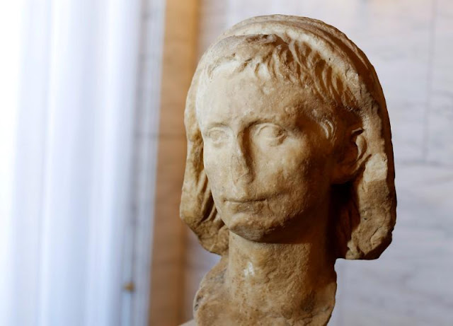 Stolen marble head of Rome's first emperor returns to Italy