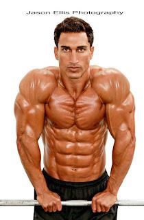 Diego Sebastian 8 pack abs