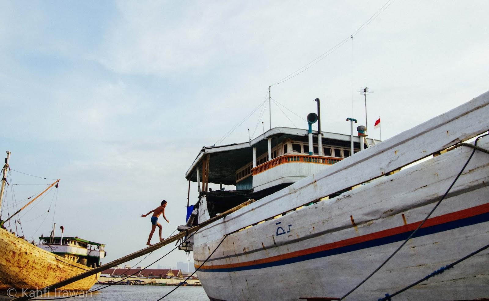 Potret Kehidupan anak-anak di pelabuhan Sunda Kelapa