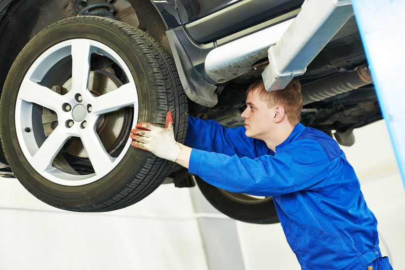 5 Signs your car needs brake repair