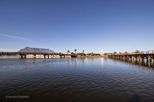 Copyright Vernon Chalmers: Canon EOS 700D / Canon EF-S 10-18mm IS STM Lens  @ 10mm FL