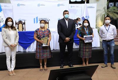 SENACYT/CONCYT Premia creatividad de guatemaltecos
