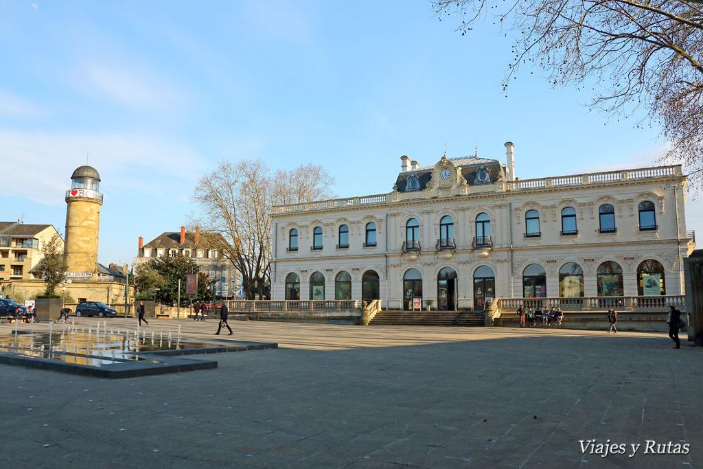 Oficina de Turismo y Teatro de Brive la Gaillarde