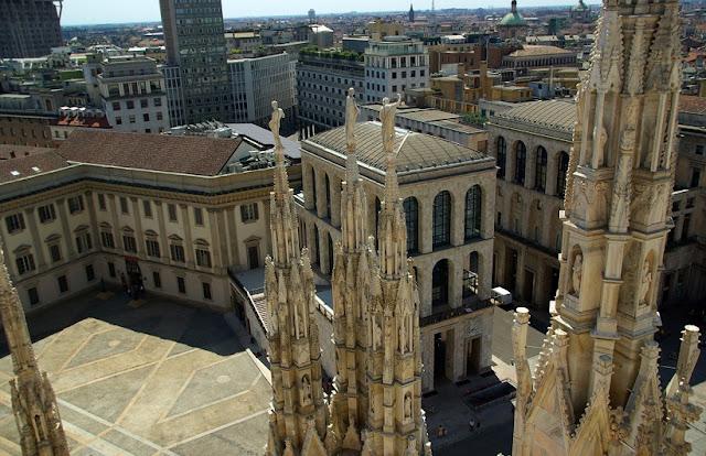 Informações sobre o Palácio Real em Milão
