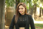 Nikesha Patel latest sizzling photos-thumbnail-2