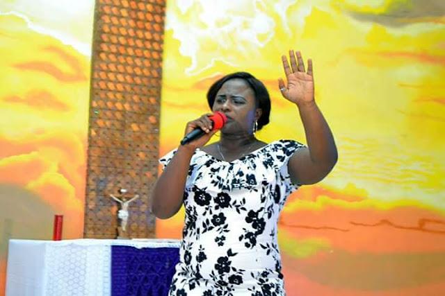 Maureen Sings