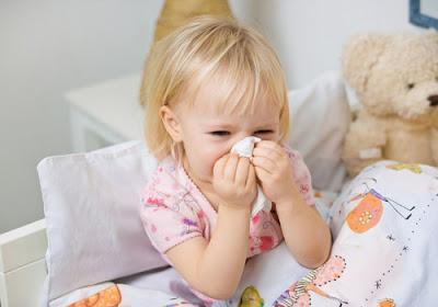 Chữa ngạt mũi bằng xông hơi cho trẻ