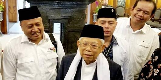 Tebuireng Dukung Jokowi, Gus Zaki: Ponpes Bangga dengan Ma'ruf Amin