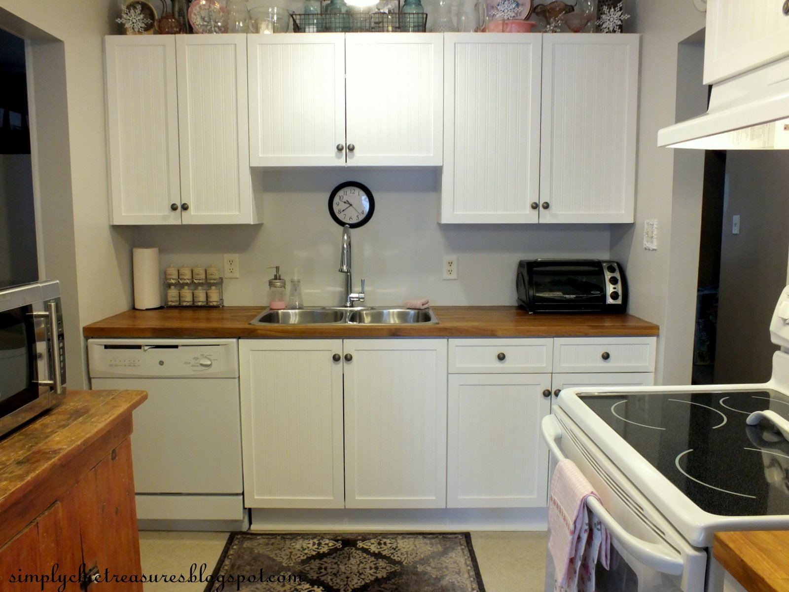 updating 1980s kitchen cabinets simply chic treasures a more on the process of how 6679