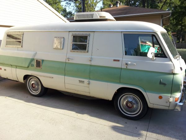 Daily Turismo: 5k: 1969 Dodge A-108 Xplorer 21 Camper Van