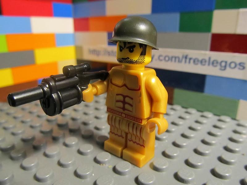 Lego Army Soldier Minifigure w Helmet and Machine Gun New Mint