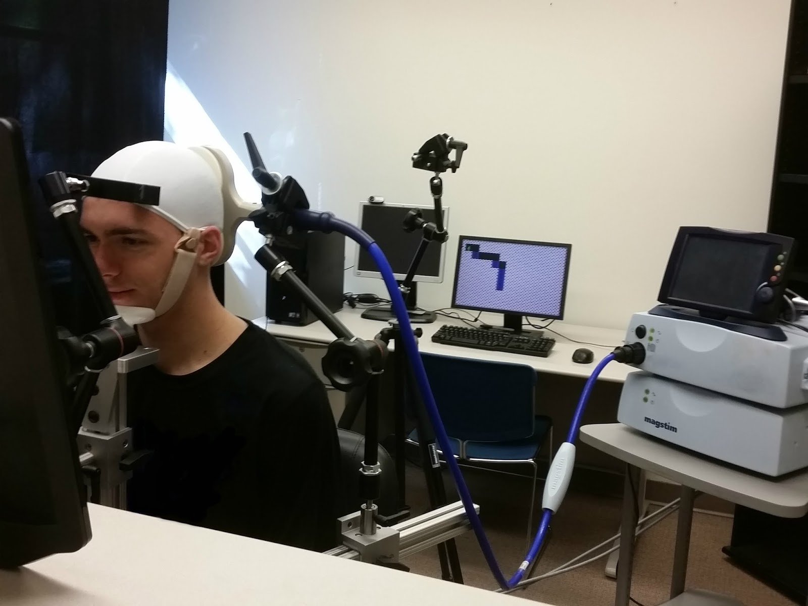 People Pay Video Game Using Only Direct Brain Stimulation