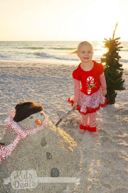 Beach Christmas Family Photo Ideas