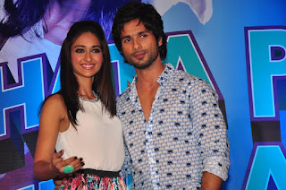 Heroin Ileana DCruz with hero shahid kapoor photos
