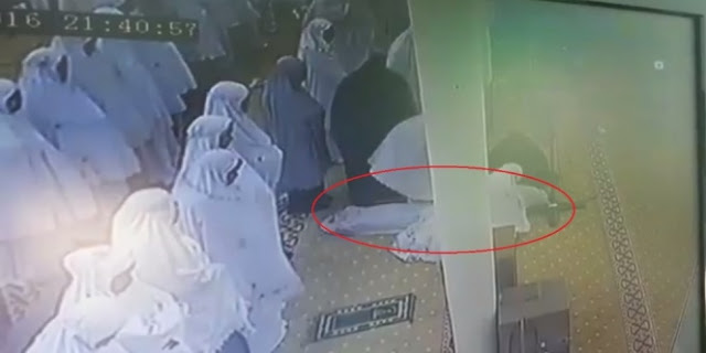 Diberitakan Meninggal Saat Shalat Tarawih, Jamaah Wanita Ini Ternyata…