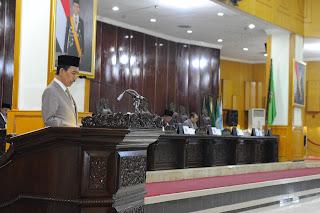 Gubernur Tanggapi Raperda Dan Bentuk Pansus Raperda