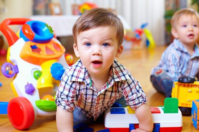 7 Jenis Permainan Bayi Usia 1 hingga 3 Tahun Yang Sangat Bermanfaat