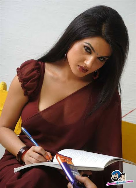 Kavya Singh Hot Photos, Bikini & Saree Sexy Pics, TV actress Hd Wallpapers, Images, Stills