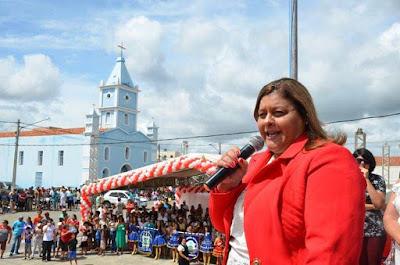 Itaíba: Prefeita Regina tem mais de 75% de aprovação ao seu governo