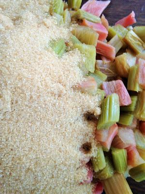 rhubarbe, confiture sureau, , laiterie de paris, confiture de rhubarbe au sureau, blog fromage, blog fromage maison, fromage paris, tour du monde fromage