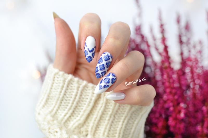 naklejki termiczne, naklejki termiczne Manirouge, niebieskie kwiaty, motyw kwiatowy, naklejki na paznokcie
