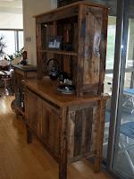 mueble DIY para el hogar construido con con pallets de madera desarmados