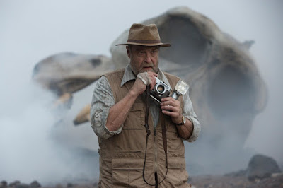 John Goodman in Kong: Skull Island (9)