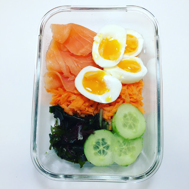 smoked-salmon-and-eggs-salad