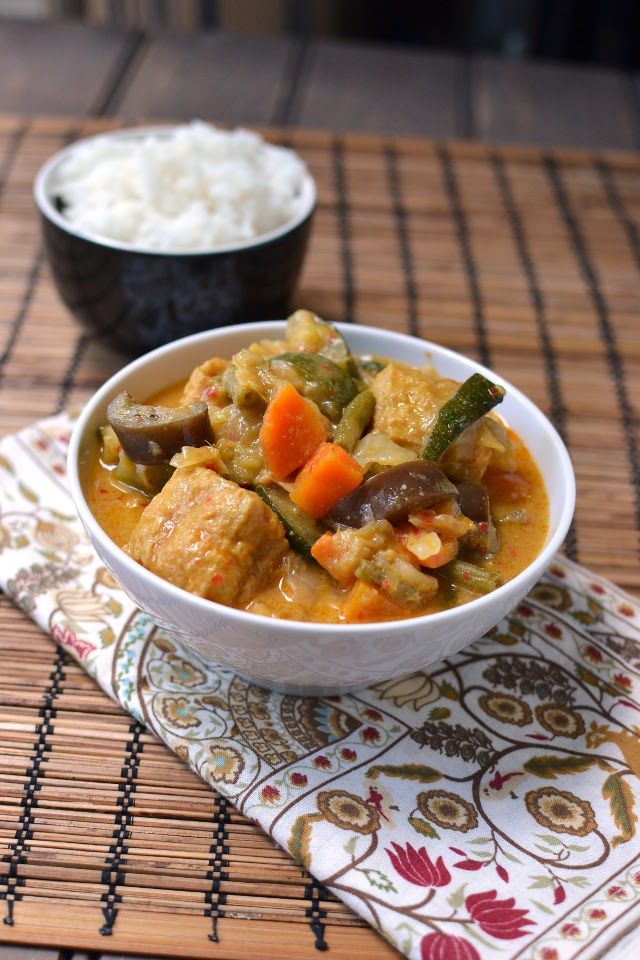 Malaysia -- Vegetarian Curry with Coconut Milk