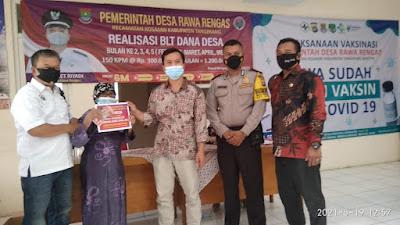 150 KPM di Desa Rawa Rengas Dapat Program Bantuan Langsung Tunai